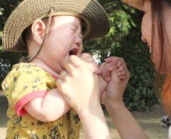 泣き止まない子供